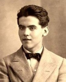 How to pronounce Federico García Lorca