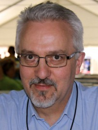 How to pronounce Alan Hollinghurst - Photo by Larry D. Moore