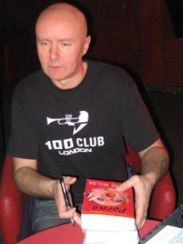 How to pronounce Irvine Welsh - Photo by Mariusz Kubik
