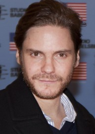 How to pronounce Daniel Brühl