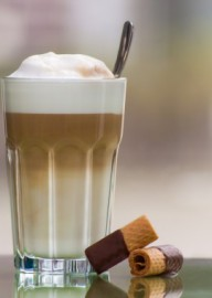 How to pronounce Latte macchiato