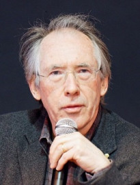How to pronounce Ian McEwan - Photo by Thesupermat