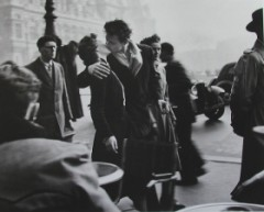 How to pronounce Robert Doisneau