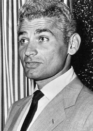 How to pronounce Jeff Chandler - Photo by Wire photo
