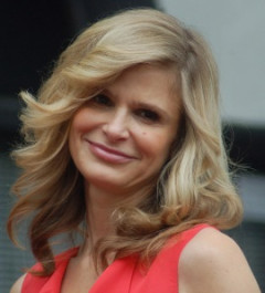 How to pronounce Kyra Sedgwick - Photo by Angela George