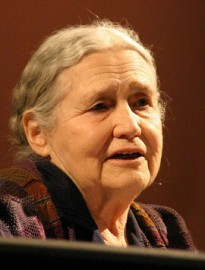 How to pronounce Doris Lessing - Photo by Elke Wetzig