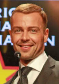 How to pronounce Joey Lawrence - Photo by State Farm