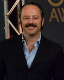 How to pronounce Gil Bellows - Photo by Alan Langford