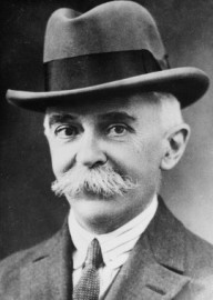 How to pronounce Pierre de Coubertin