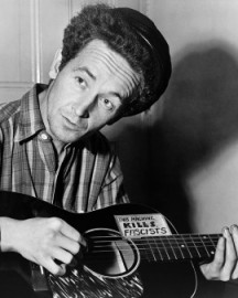 How to pronounce Woody Guthrie