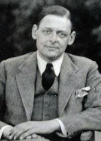 How to pronounce Thomas Stearns Eliot - Photo by National Portrait Gallery