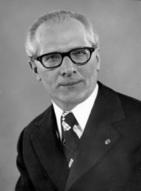 How to pronounce Erich Honecker - Photo by German Federal Archives