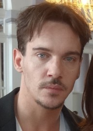 How to pronounce Jonathan Rhys-Meyers - Photo by Elen Nivrae