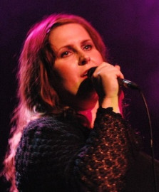 How to pronounce Alison Moyet - Photo by Martin Dobey
