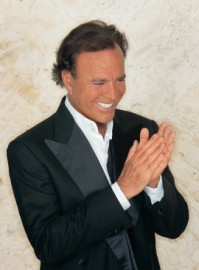 How to pronounce Julio Iglesias - Photo by Alejandro Vilar